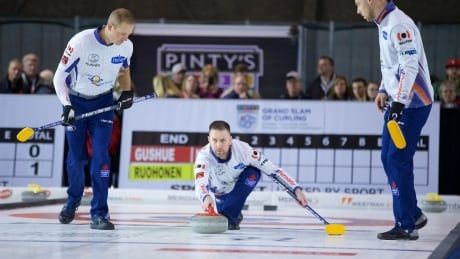 Undefeated Gushue glides to top GSOC Tour Challenge playoff spot