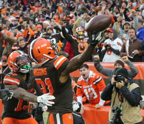 Browns turning bummer season around with win over Bills