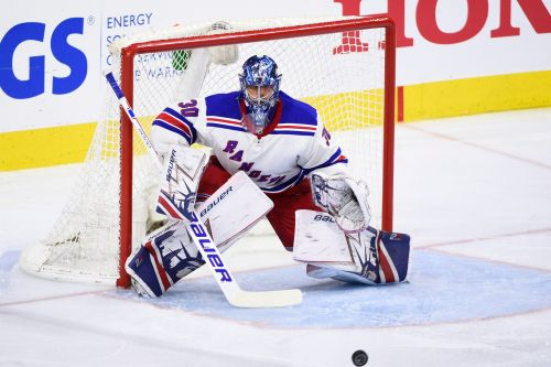 Capitals' Henrik Lundqvist shares return to ice less than two months after open heart surgery