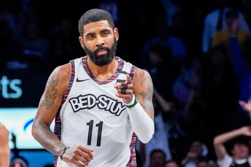 Kyrie Irving's shoulder flaring up again as Nets concern grows