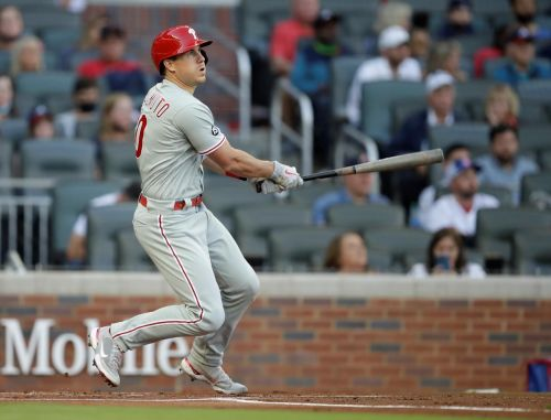 Phillies catcher Realmuto back from COVID-19 IL after 1 day