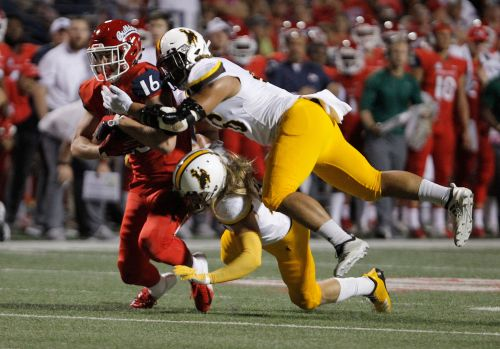 McMaryion accounts for 4 TDs, Fresno St. beats Wyoming 27-3
