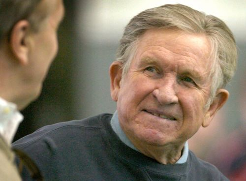 Hall of Fame college coach Johnny Majors dies at age 85