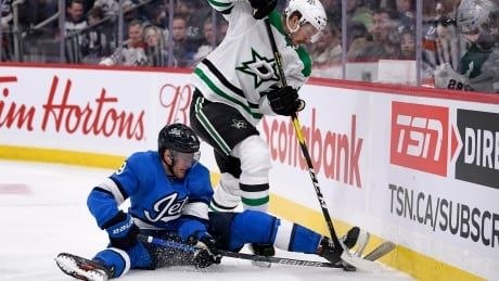 Scheifele comes in hot as Jets snap Stars' win streak in OT