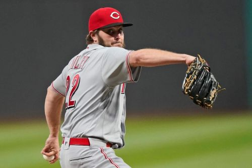 Reds' Wiley has no-hitter thru 8 innings against Indians
