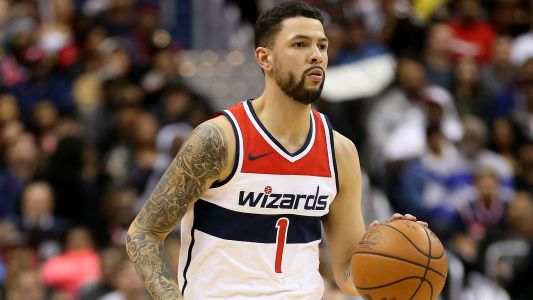 Suns guard Austin Rivers expected to sign with Grizzlies after buyout