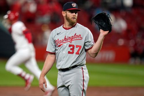 Stephen Strasburg back on IL with shoulder issue after horrible Nationals start