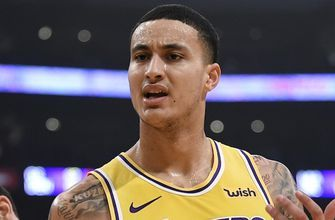 Dahntay Jones responds to Kyle Kuzma sending a tweet during halftime of Lakers vs Bulls