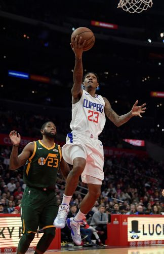 Lou Williams sits out for Clippers with sore right hamstring