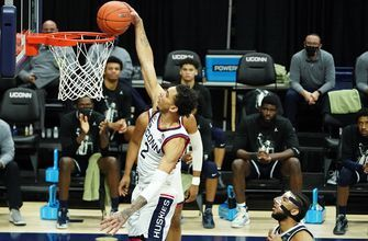 James Bouknight drops 21 as UConn cruises to 98-82 win over Georgetown