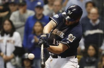 Moustakas' return has Brewers' teammates excited
