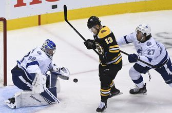 Lightning take control early, stay hot in the bubble with round-robin win over Bruins