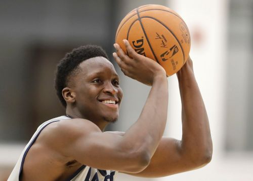 Pacers' Victor Oladipo won't play in bubble due to re-injury risk