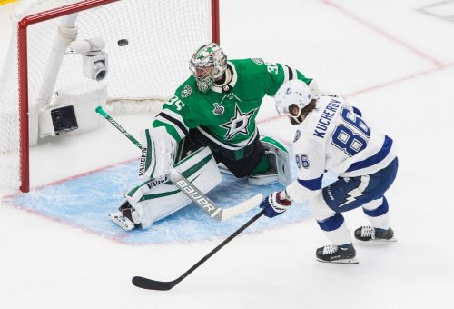 Lightning's Stamkos secures place in Cup lore with Game 3 goal vs. Stars