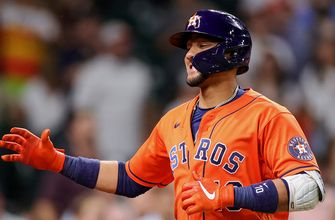 Yuli Gurriel homers, drives in four runs in Astros dominant 10-4 win over Blue Jays
