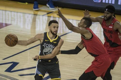 Curry, Golden State Warriors rally to take 3-0 series lead over Portland Trail Blazers