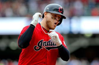 Cleveland extends lead thanks to Roberto Perez two-run RBI single