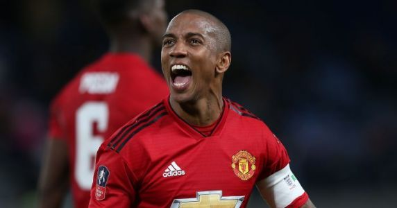 Young warns Liverpool that Man Utd have 'another gear'