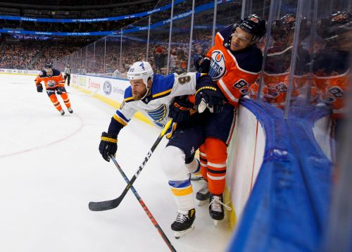 Blues break tie on replay review in 3rd and beat Oilers 4-1