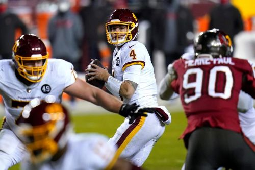 QB Heinicke re-signs with Washington for $8.75M over 2 years