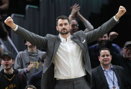 Kevin Love takes part in first full-contact practice since surgery