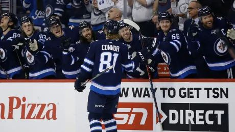 Jets blank Predators to clinch playoff spot