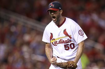 Uncle Charlie to return: Cardinals, Waino agree on one-year deal