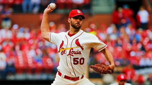Adam Wainwright returns to Cardinals on one-year deal