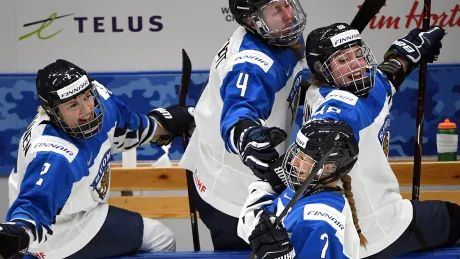 Canada stunned by Finland, won't play for women's hockey world title for 1st time