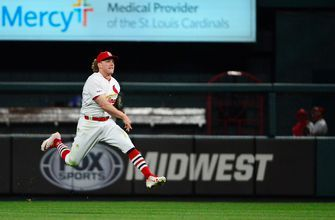 Cardinals place Bader on IL, recall rookie OF Lane Thomas from Memphis