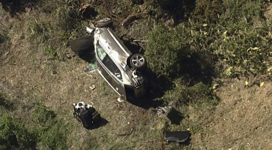Watch: Chopper footage from the scene after Tiger Woods hurt in single-car crash