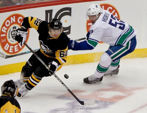 Boeser's OT winner lifts Canucks by Penguins 3-2