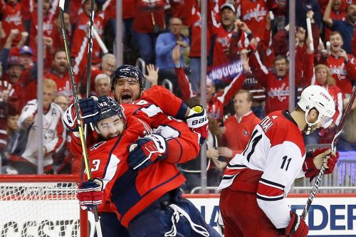 NHL playoffs best bets: Odds, lines, spreads for Stars-Predators, Hurricanes-Capitals on Monday