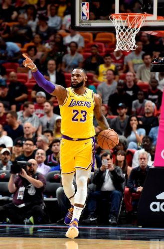 LeBron James erupts for season-high 51 points to lead Lakers past Heat