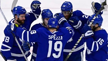 John Tavares scores winner on power play as Leafs beat Oilers