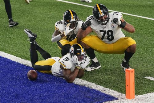 Steelers top Giants with a swarming defence, a strong ground game - and Big Ben, of course