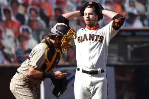 Giants' MLB playoff hopes crushed on umpire's brutal call