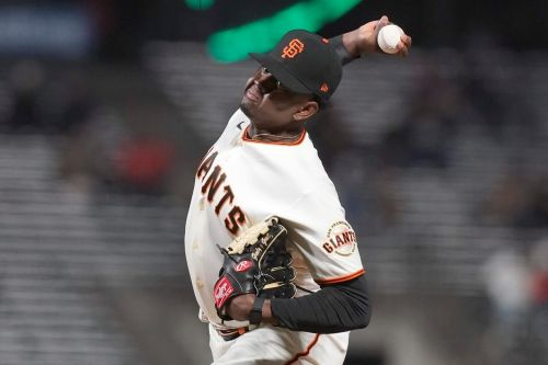 Casali catches 5th straight shutout, Giants beat Marlins 3-0