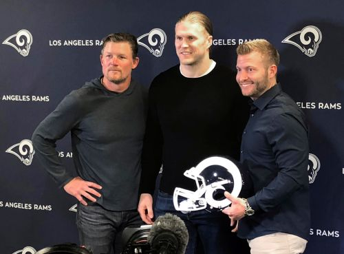 Clay Matthews comes home to Rams, joins veterans who love LA