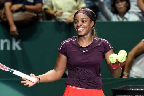 Confident Sloane Stephens downs Osaka in Singapore