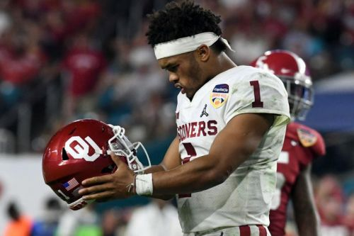 Top prospect Kyler Murray picks NFL over MLB