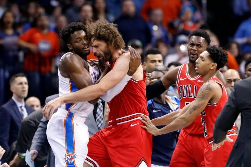 Chicago Bulls-Oklahoma City Thunder scuffle spills into courtside seats