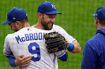 WATCH: Alex Gordon exits his final game