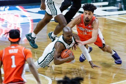 Michigan State men's basketball pulls off much-needed upset, defeats No. 4 Illinois
