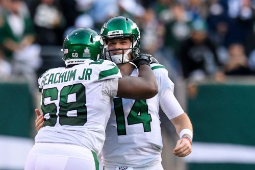Jets' 'depressing' offensive line finally comes through