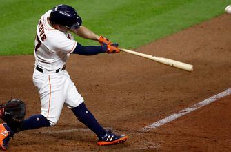 Jose Altuve slams clutch two-run homer to help Astros tie up game against Red Sox, 3-3