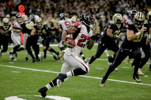 Fantasy football waiver wire: Falcons' Brian Hill climbing in rankings