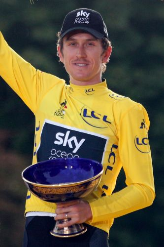 Lance Armstrong Tour de France trophy 'offer' to Thomas