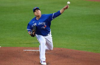 Hyun Jin Ryu's seven-inning shutout propels Blue Jays past Yankees, 4-1,clinch playoffs