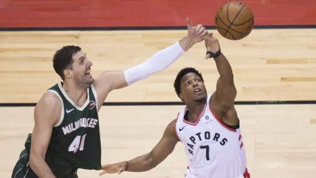 Raptors ride balanced attack past Bucks to even East final 2-2